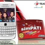 Bundling Terbaru Smartphone Blackberry 9790 Bellagio White  Dengan SimPATI